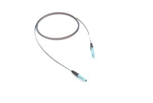 01x MXC PLUG – 01x MXC PLUG 64F OM3 páskový optický kábel
